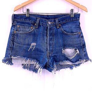 Vintage 501 levi jean shorts size 33